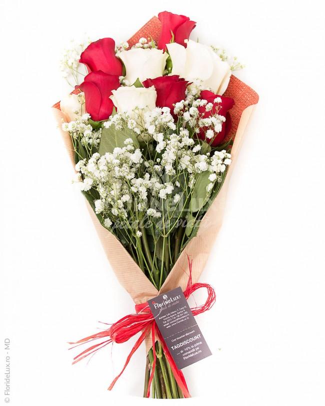 flori sfantul valentin trandafiri albi si rosii