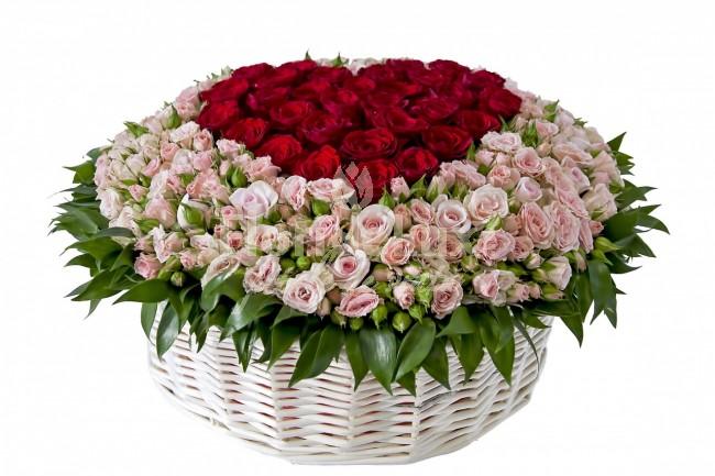 Cosuri flori Ziua Indragostitilor, cos cu inima