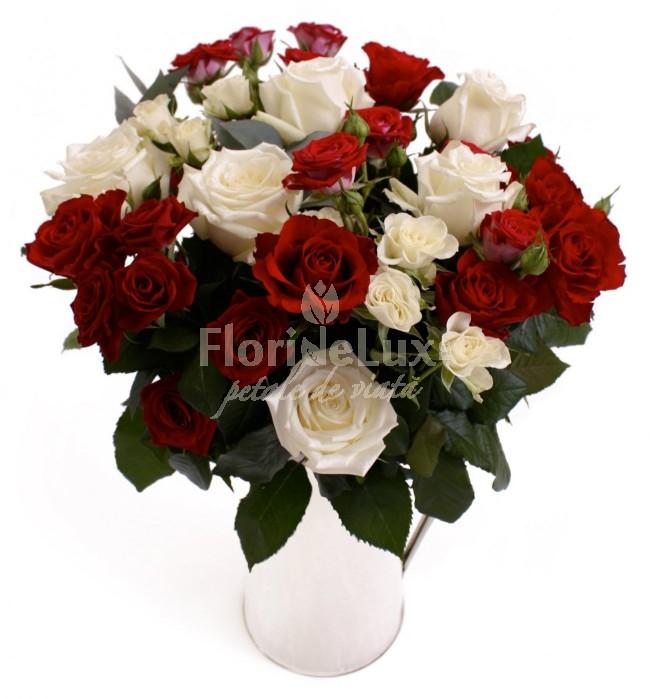 Trandafiri albi pentru Ziua Indragostitilor fbr