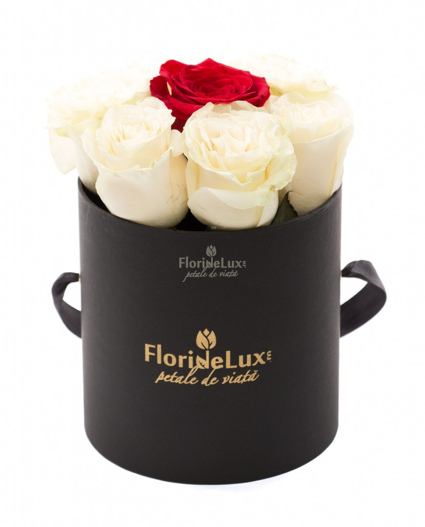 Trandafiri albi pentru Ziua Indragostitilor dbf