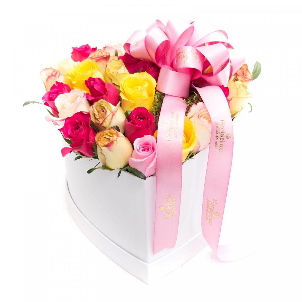 Mesaje de ziua îndrăgostiților, Cutie inimă BOMBON, doar 259,99 RON!