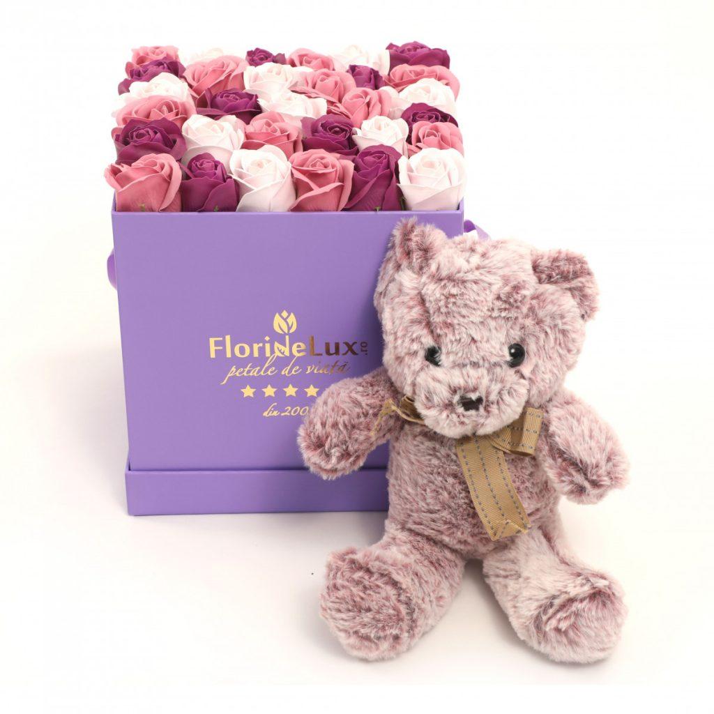 Flori Ziua Îndrăgostiților - oferte 2021, Trandafiri de săpun și ursuleț, doar 389,99 RON!