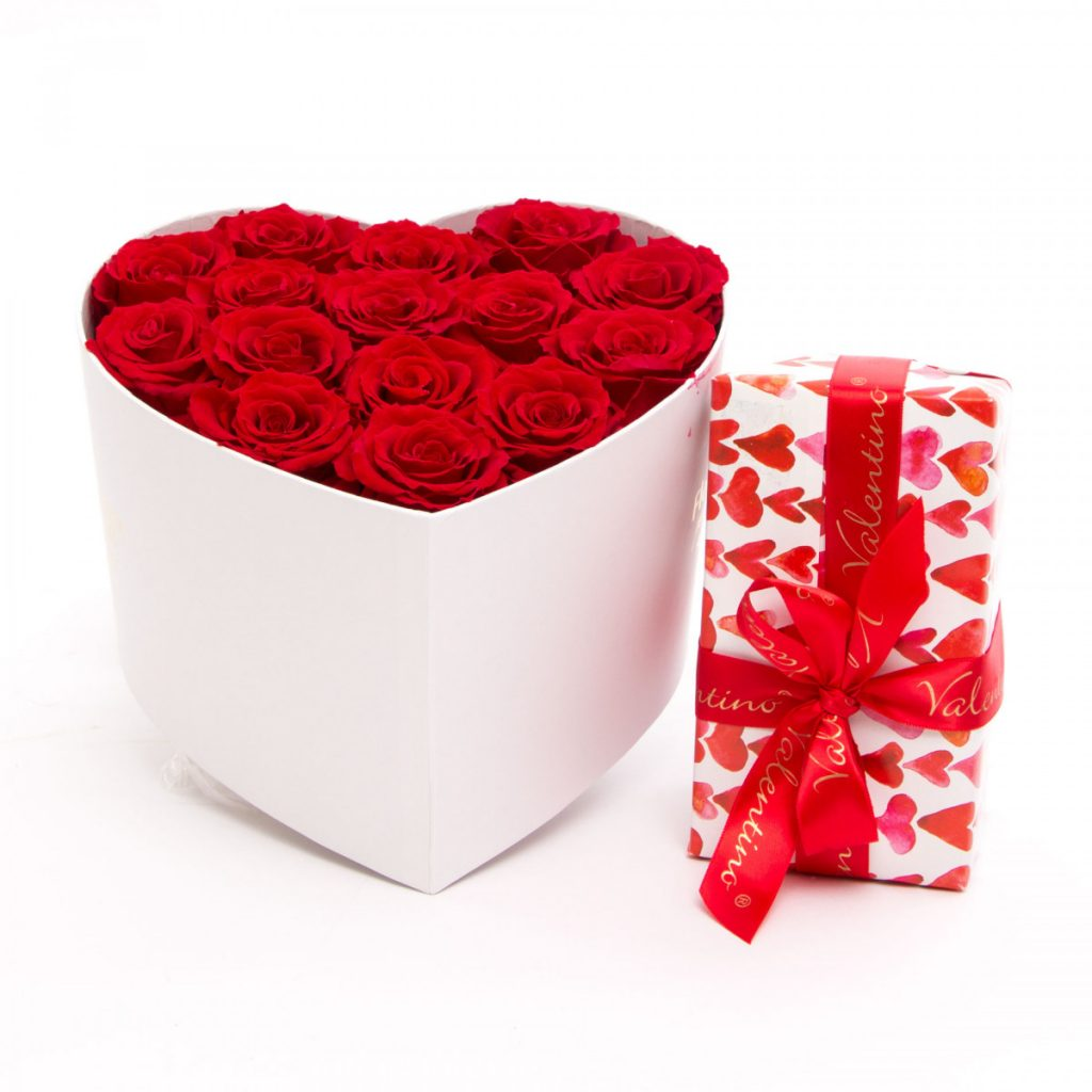 Trandafiri criogenați Always and Forever și ciocolată, doar 889,99 RON!