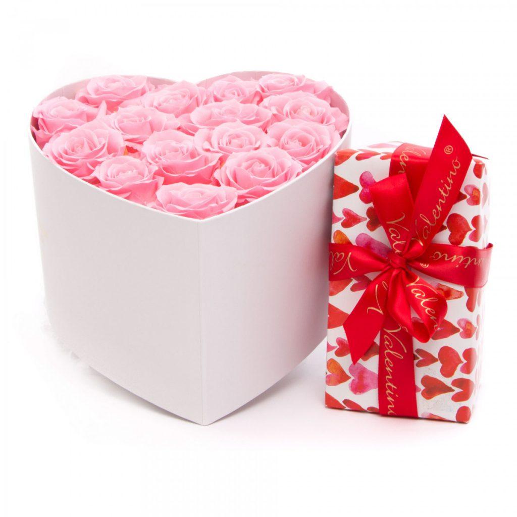 Trandafiri criogenați Luxury Pearls și ciocolataă, doar 775,99 RON!