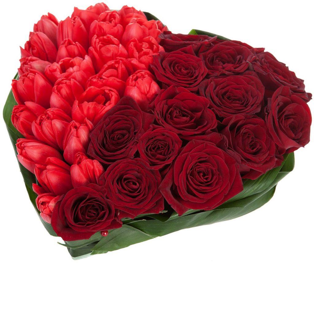 Inimă trandafiri și lalele, doar 405,99 RON!