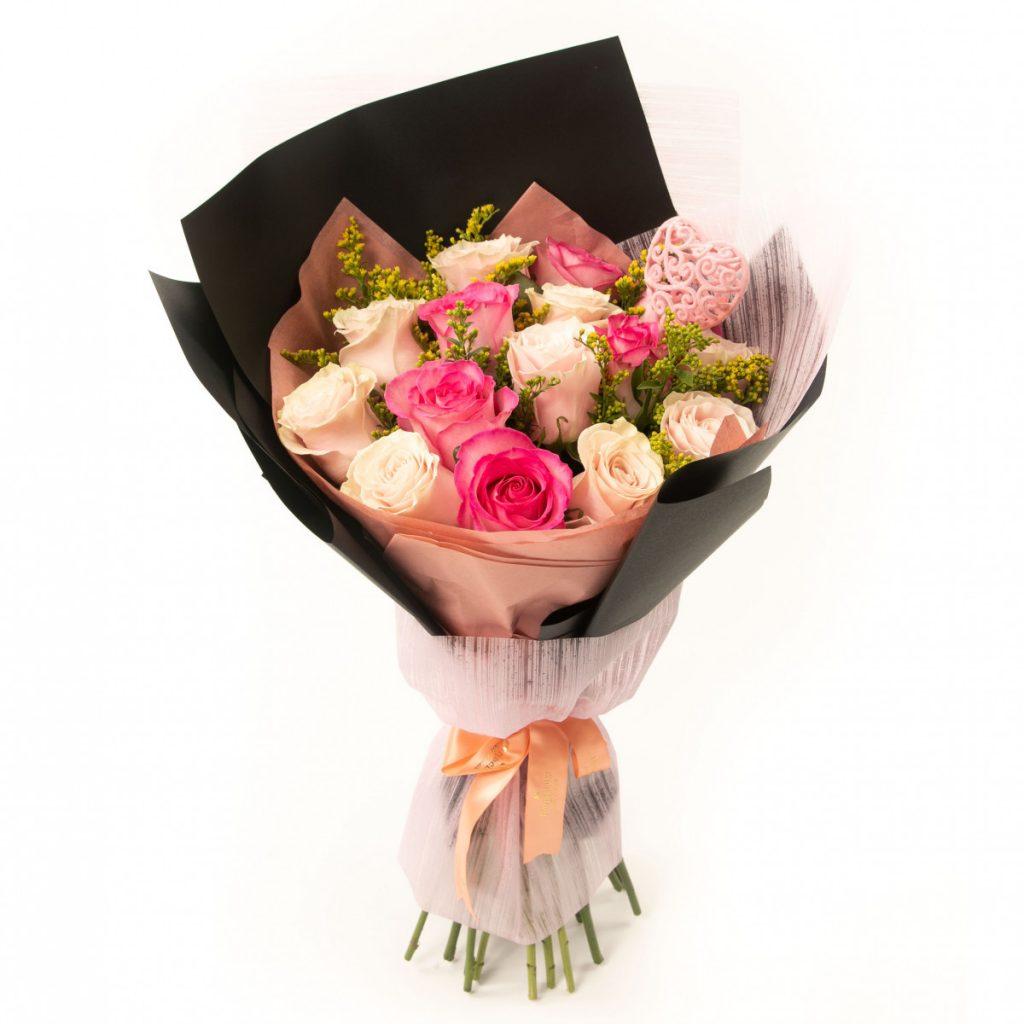 Buchet trandafiri Dusty Rose, doar 280.99 RON!